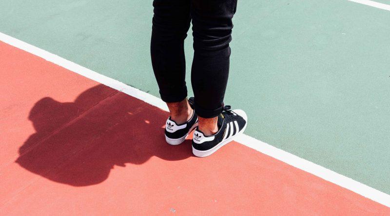 Foot fault- o que é e como a regra é aplicada - Eu amo jogar tênis ... 809bc5a39489f